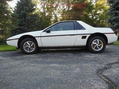 1984 Pontiac Fiero SE (1987)